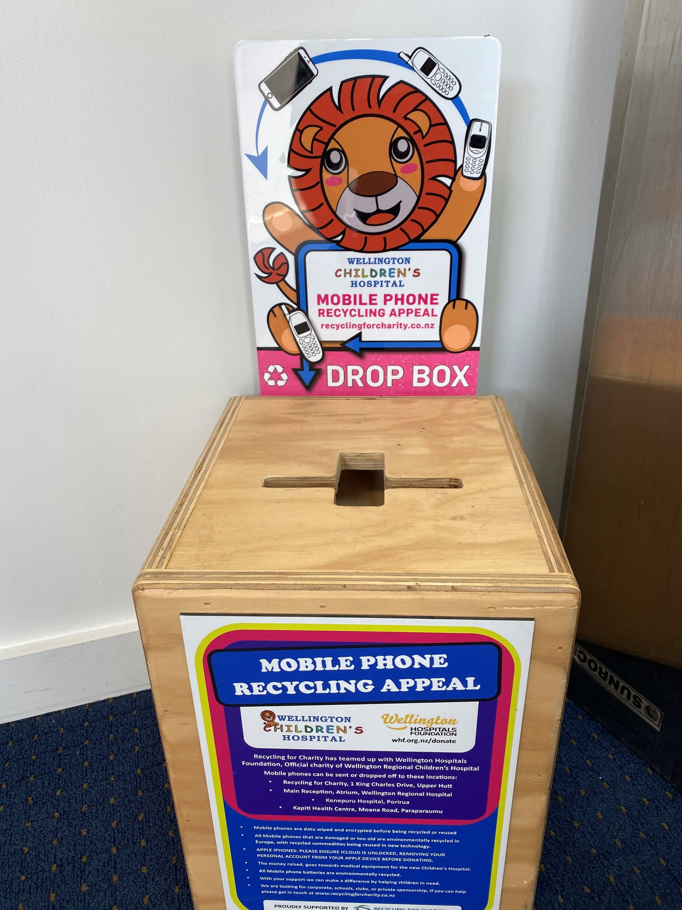 School office - Mobile phone recycling